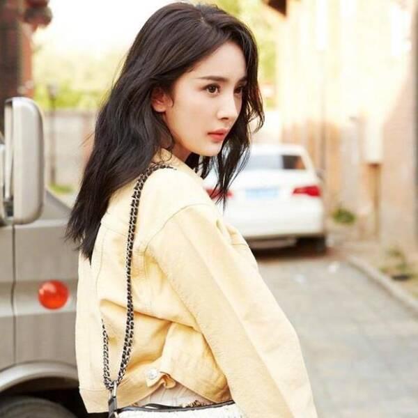 杨幂黄色照_杨幂同款黄色牛仔短款外套, 浅浅的黄色,显得皮肤更白,夹克设计,更加