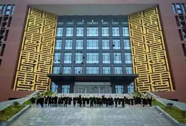 郑州大学移动图书馆_郑州最美高校图书馆大比拼!看看有没有你学校?