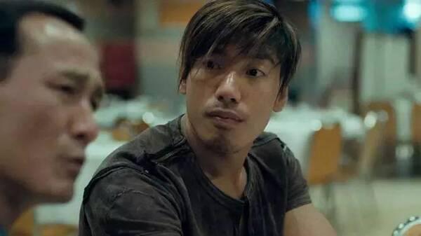 香港男配角_香港电影举足轻重,这些黄金配角更是深入人心!