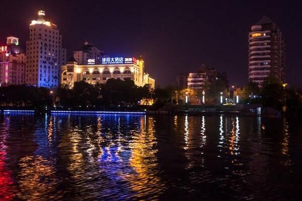 老城区到新城区,从古通州,到中国现代第一城,到今天经济腾飞中的南通.