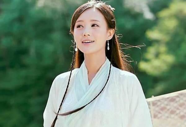 黄蓉亚洲色图_作为新人,李一桐的这个黄蓉还是较为出色的.