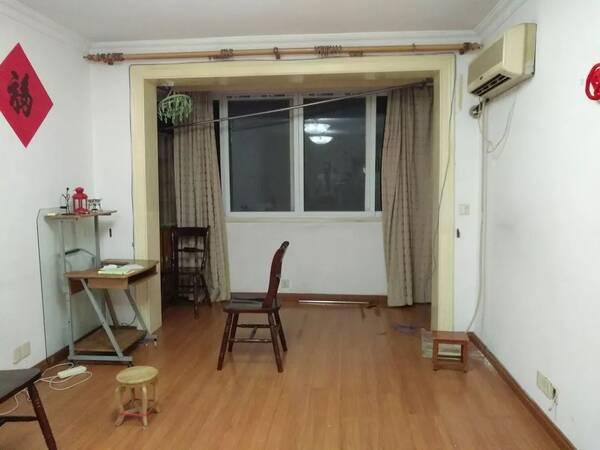 如何从客厅隔出一间房?这个56㎡奇葩户型做两室的方案