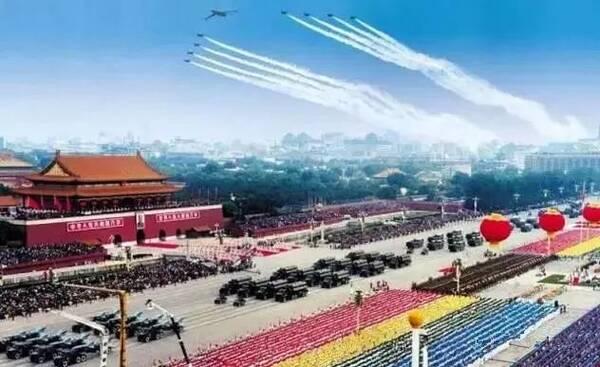 2009年國慶60周年大閱兵,盡顯祖國滄桑巨變.