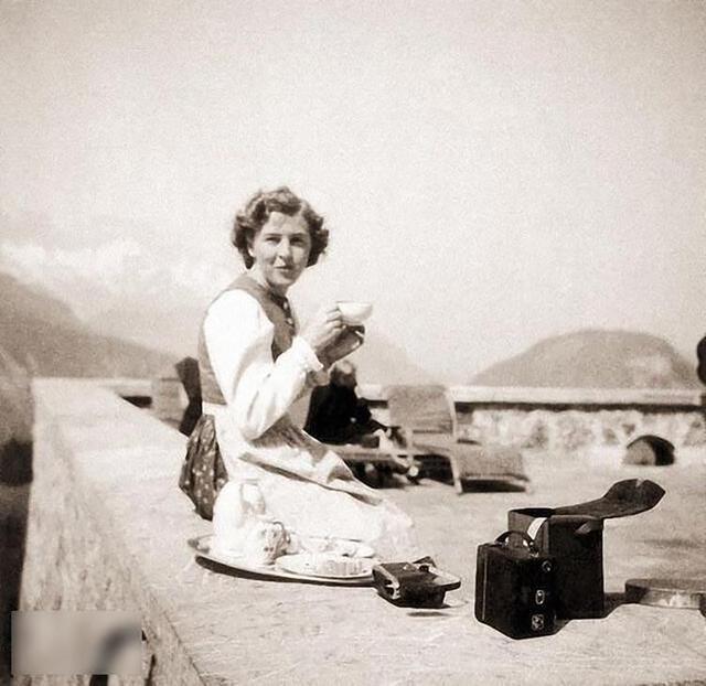 爱娃·布劳恩_希特勒三十九小时夫人爱娃·布劳恩