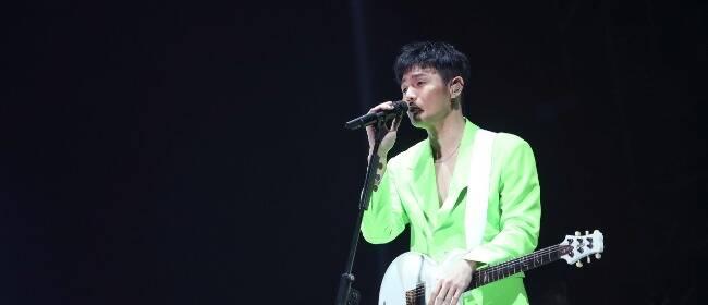 李荣浩郑州高温开唱 《慢慢喜欢你》甜爆全场
