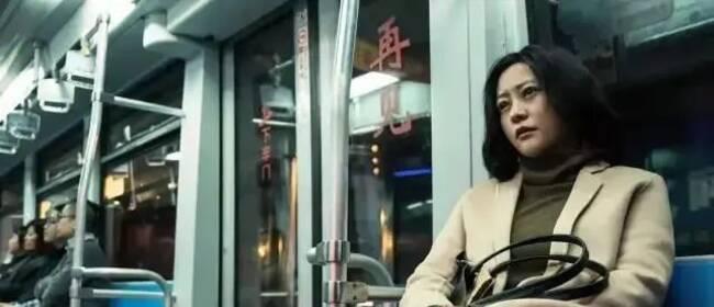 《春潮》讲述中国式母女关系:爱恨捆绑,平衡对立