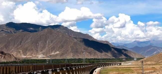 """中國建""""最難鐵路"""" 越過21座41000米以上的雪山"""