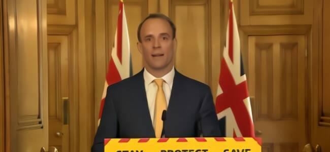 """英国代理首相:约翰逊是""""斗士"""",他会挺过难关"""