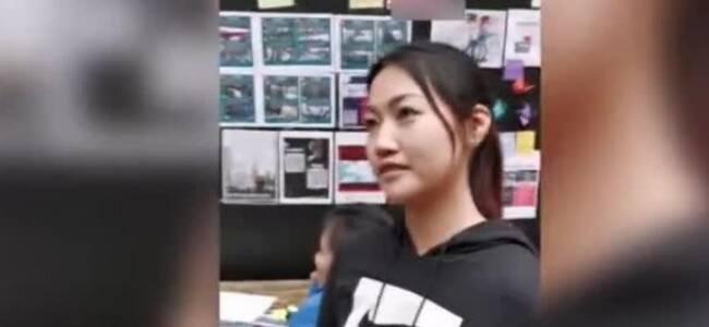 """新西兰大学校园内有人贴""""港独""""海报 中国留学生怒怼"""