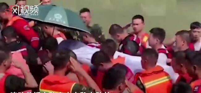 为营救落水群众自己却被水冲走 消防员吕挺被批准为烈士