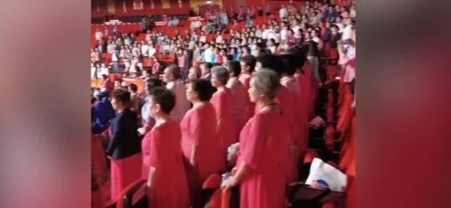 现场:澳门大学学位颁授典礼举行 师生高唱国歌