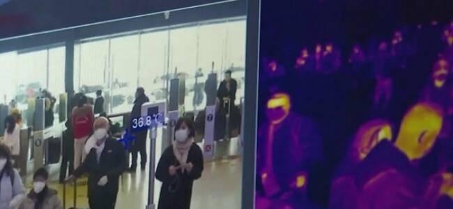 武汉火车站现在怎样了?有年轻人戴双层口罩