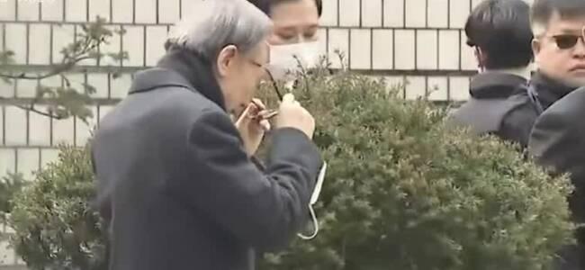 78岁韩国前总统李明博二审获刑17年 当庭被捕