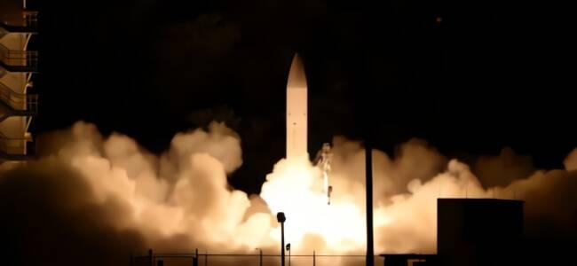 美国高超音速武器工厂首度曝光,将批量生产一利器