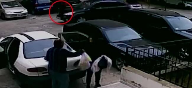 女子误踩油门带着家人从楼顶停车场一跃而下 路人惊恐大叫