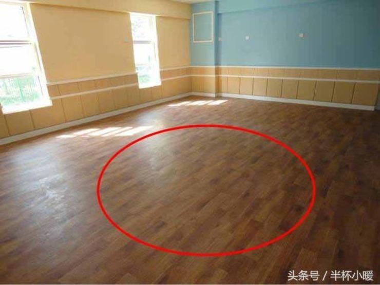 越来越多人不再铺瓷砖和木地板了 大家都在用它