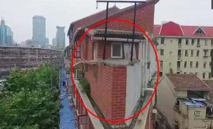 一家三口挤25㎡纸片房,逆天大改造不输顶层豪宅!